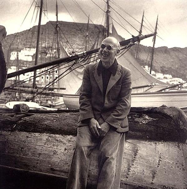 My strange bedfellow Henry Miller in Hydra, 1939.