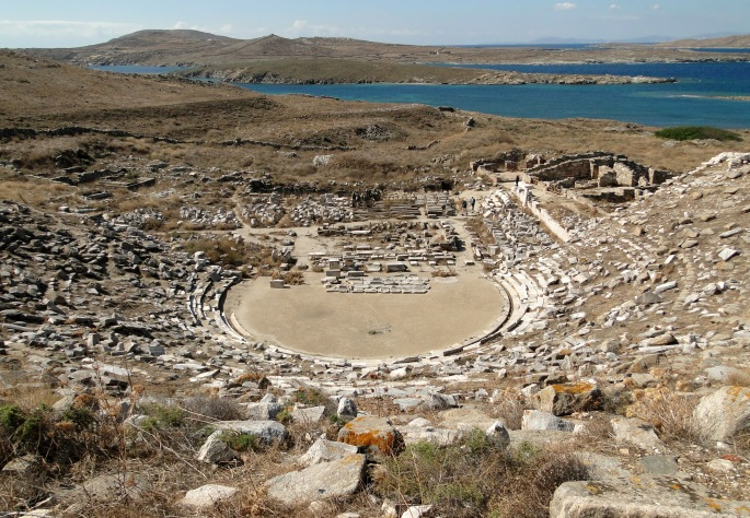 ancient_greek_theatre_in_delos_01